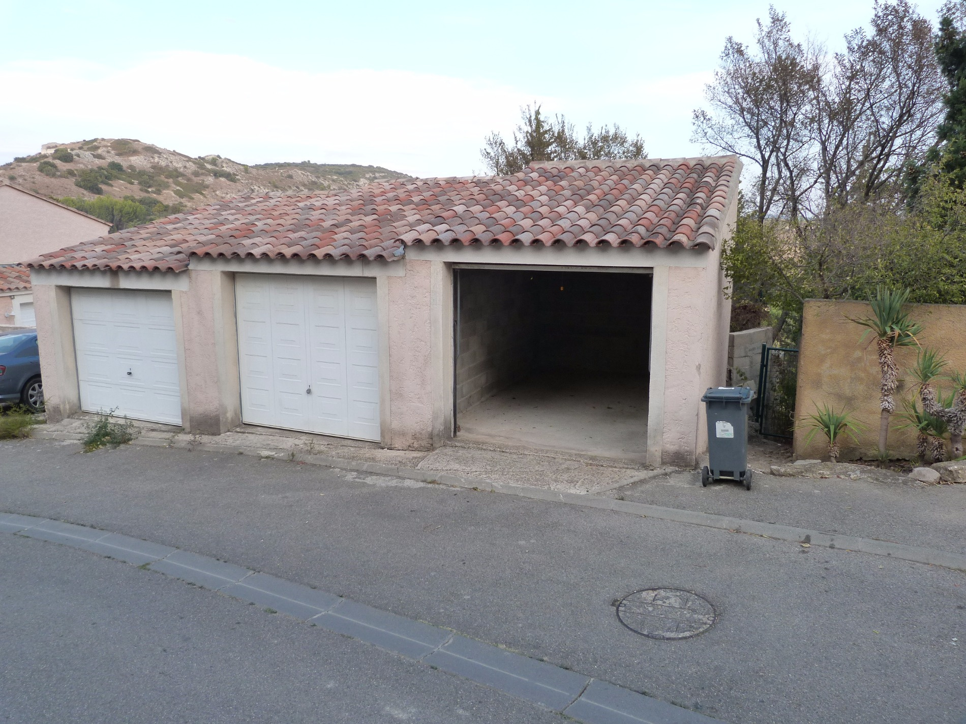 Annonce location parking garage th ziers 30390 70 for A louer garage automobile